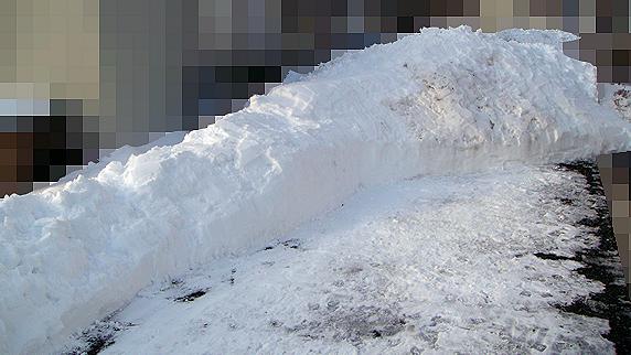 庭に雪山連峰出現