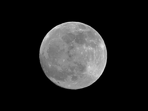 月のそばに火星あり