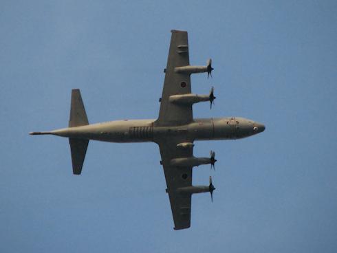 P-3C 哨戒機が飛ぶ