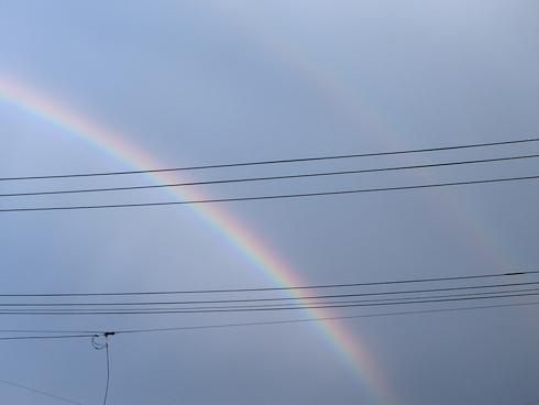 二重の虹が出現