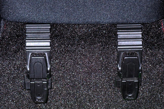 車内の買い物袋フックを変更