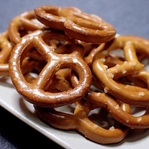 ドイツのお菓子「HUOBER MINI BREZEL」
